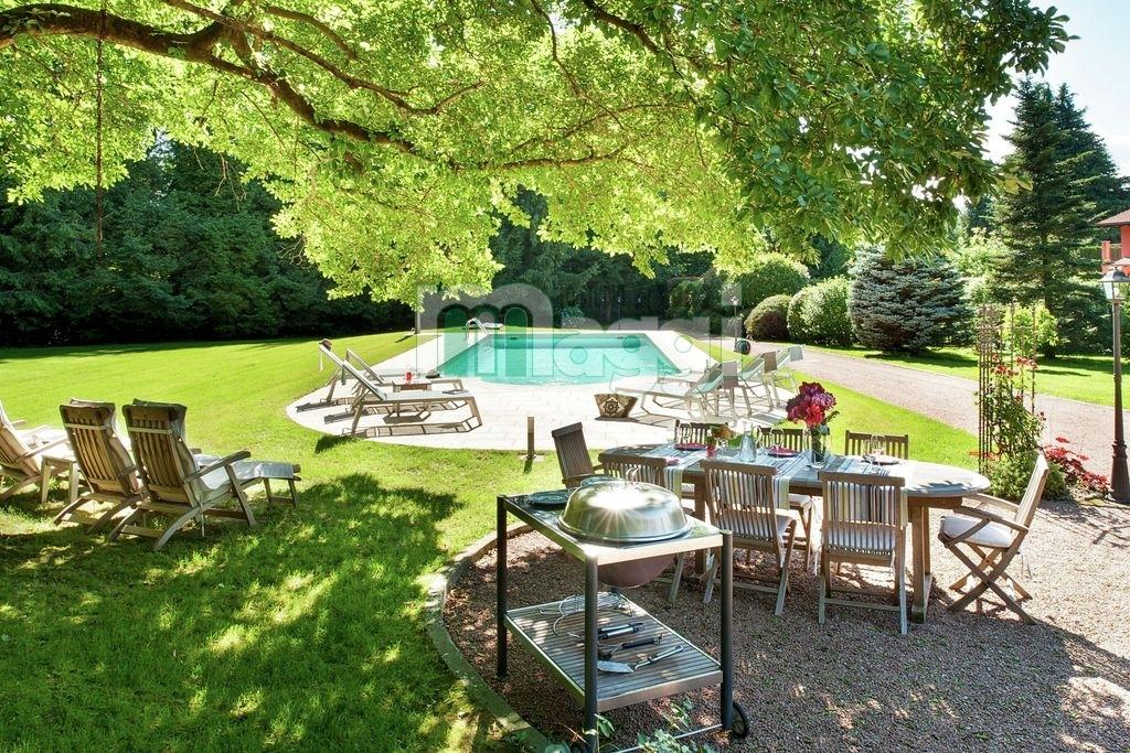 Villa in Vendita a Ispra: 5 locali, 300 mq