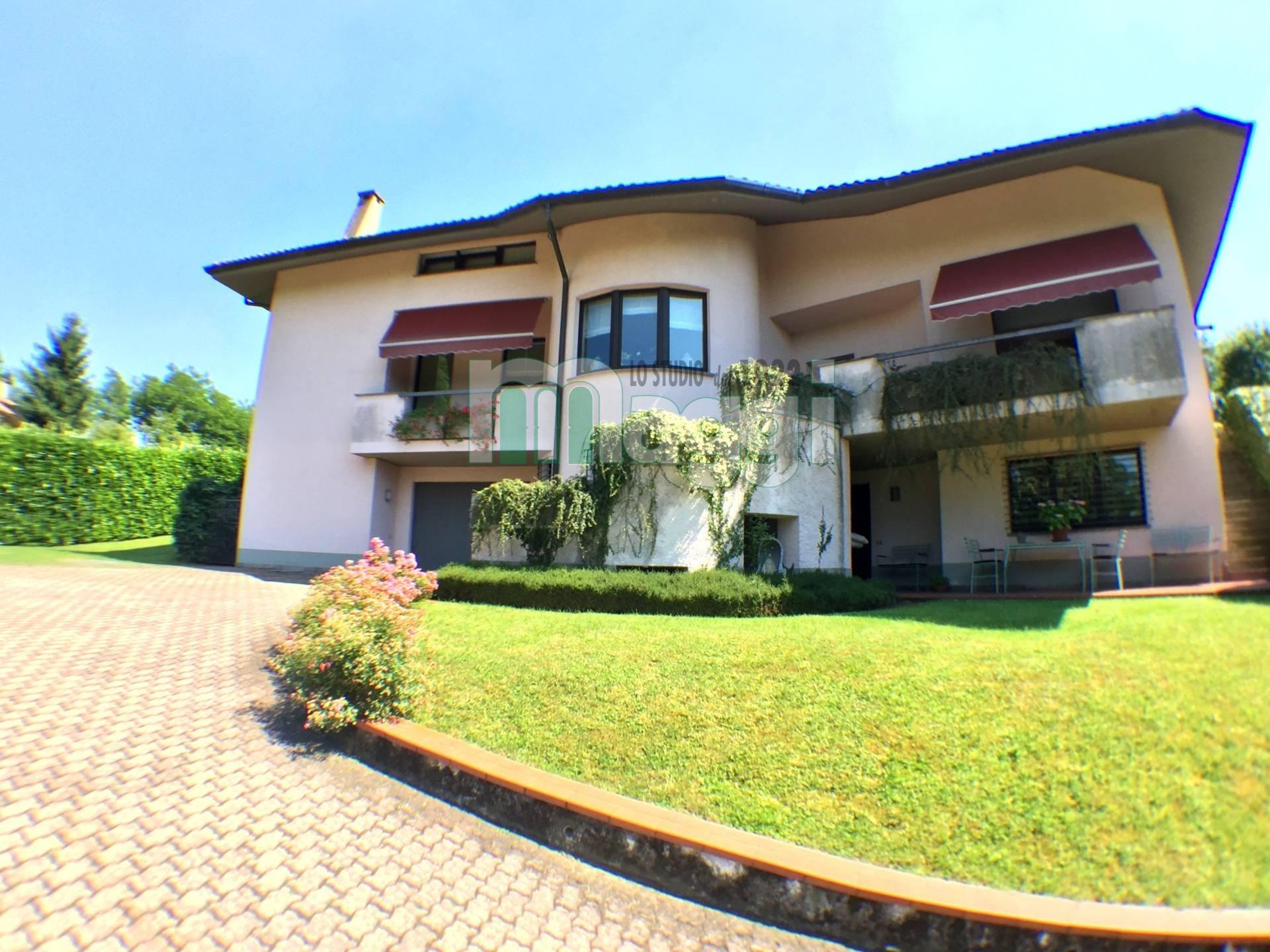 Villa in Vendita a Sumirago: 5 locali, 420 mq