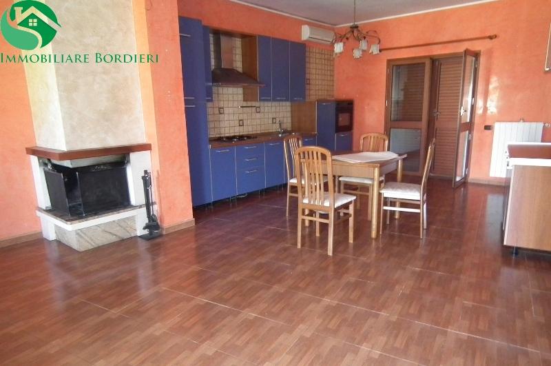 Villa in affitto a Siracusa, 2 locali, zona Località: Arenella, prezzo € 600 | Cambio Casa.it