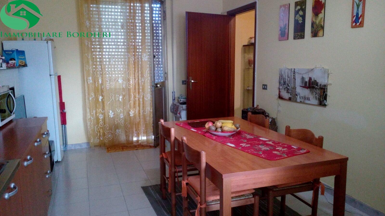 Appartamento in affitto a Siracusa, 3 locali, zona Località: CittàGiardino, prezzo € 400 | CambioCasa.it
