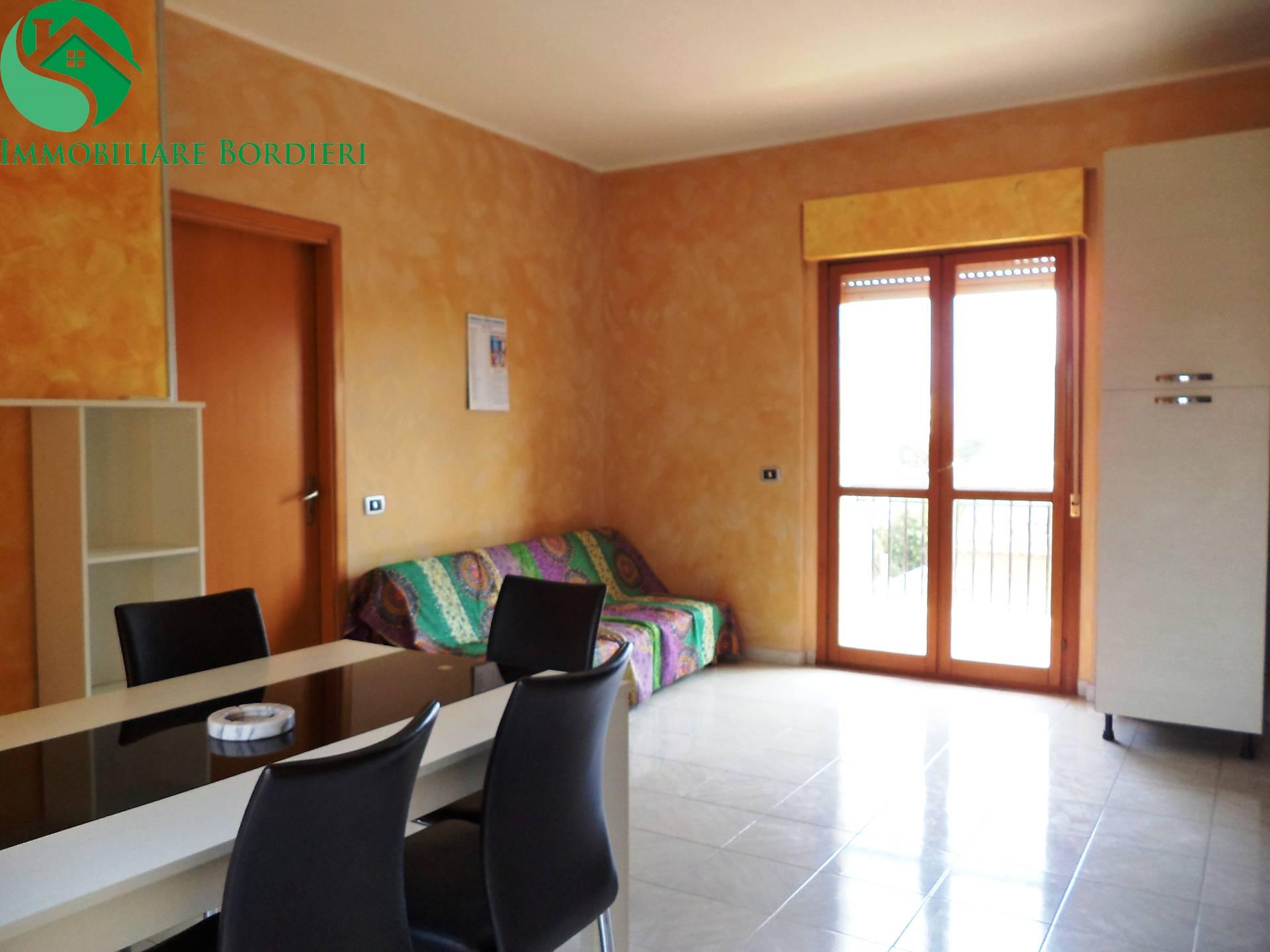 Appartamento in affitto a Siracusa, 2 locali, zona Località: ScalaGreca, prezzo € 450 | CambioCasa.it