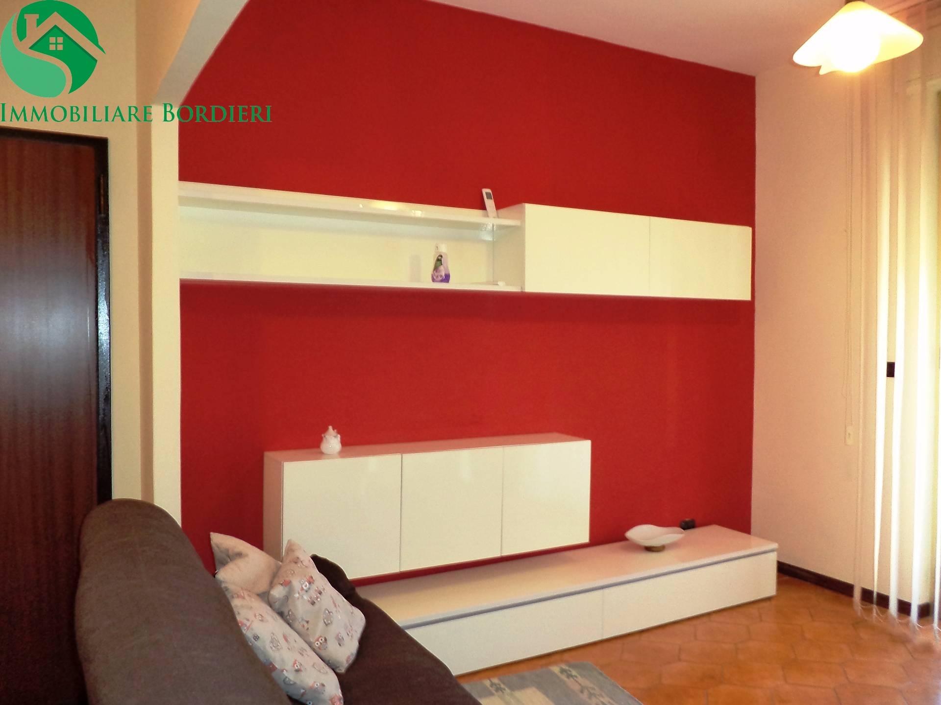 Appartamento in affitto a Siracusa, 2 locali, zona Località: SanGiovanni, prezzo € 600 | CambioCasa.it