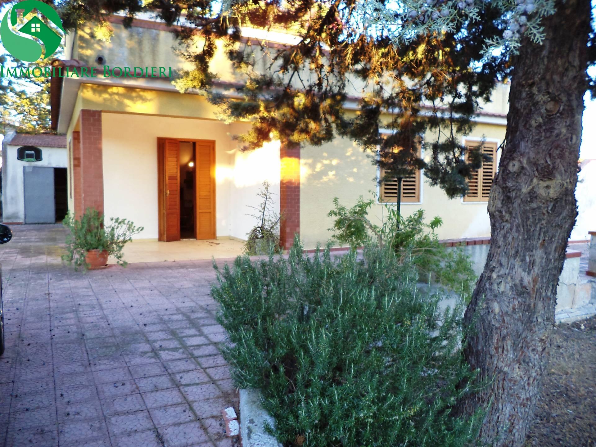 Villa in affitto a Siracusa, 5 locali, zona Località: Arenella, prezzo € 600   CambioCasa.it