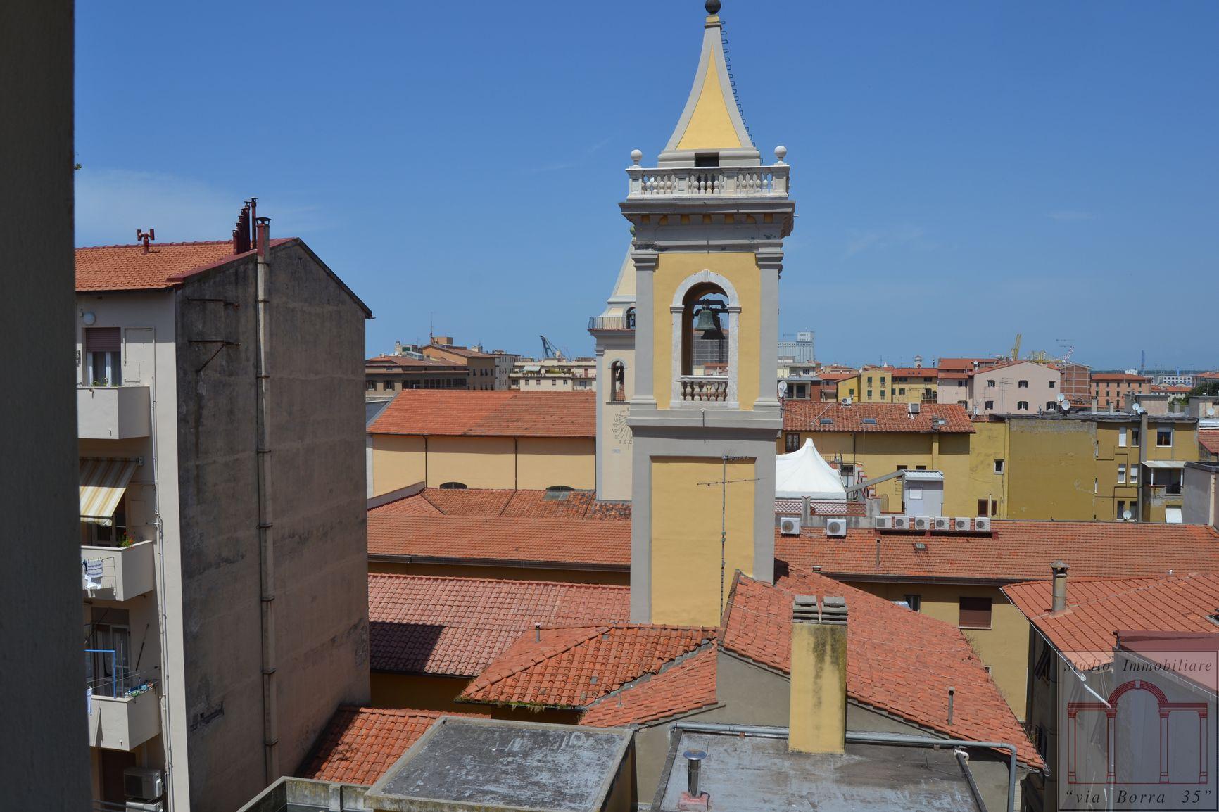 Bilocale Livorno Via Grande 1