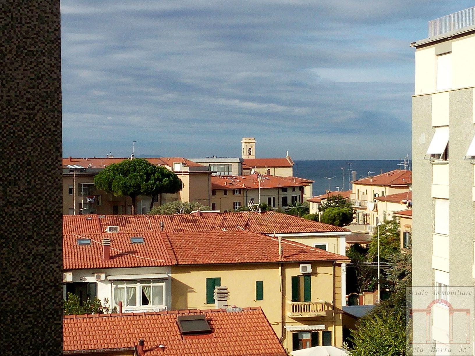 Appartamento in vendita a Livorno, 4 locali, zona Zona: Lungomare, prezzo € 228.000 | Cambio Casa.it