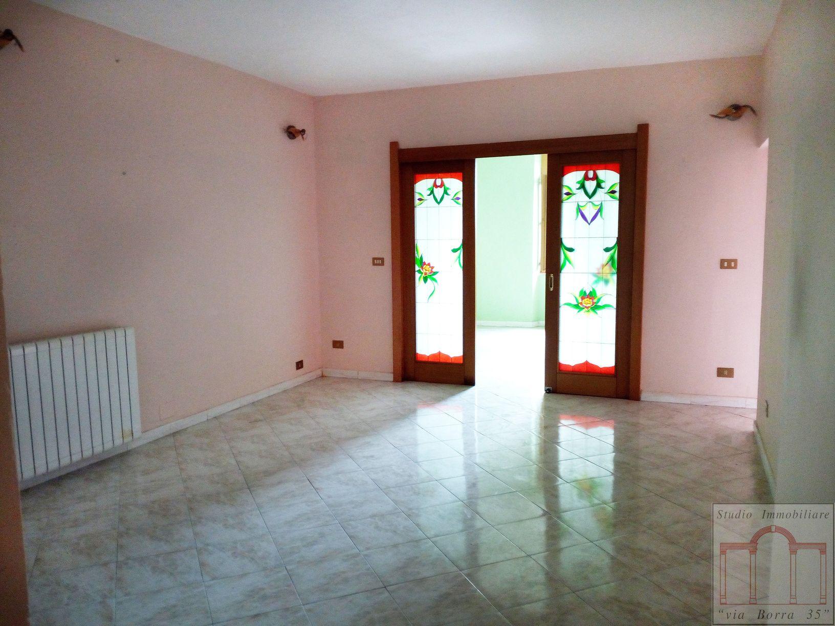 Appartamento in vendita a Livorno, 4 locali, zona Zona: Centro, prezzo € 80.000 | CambioCasa.it