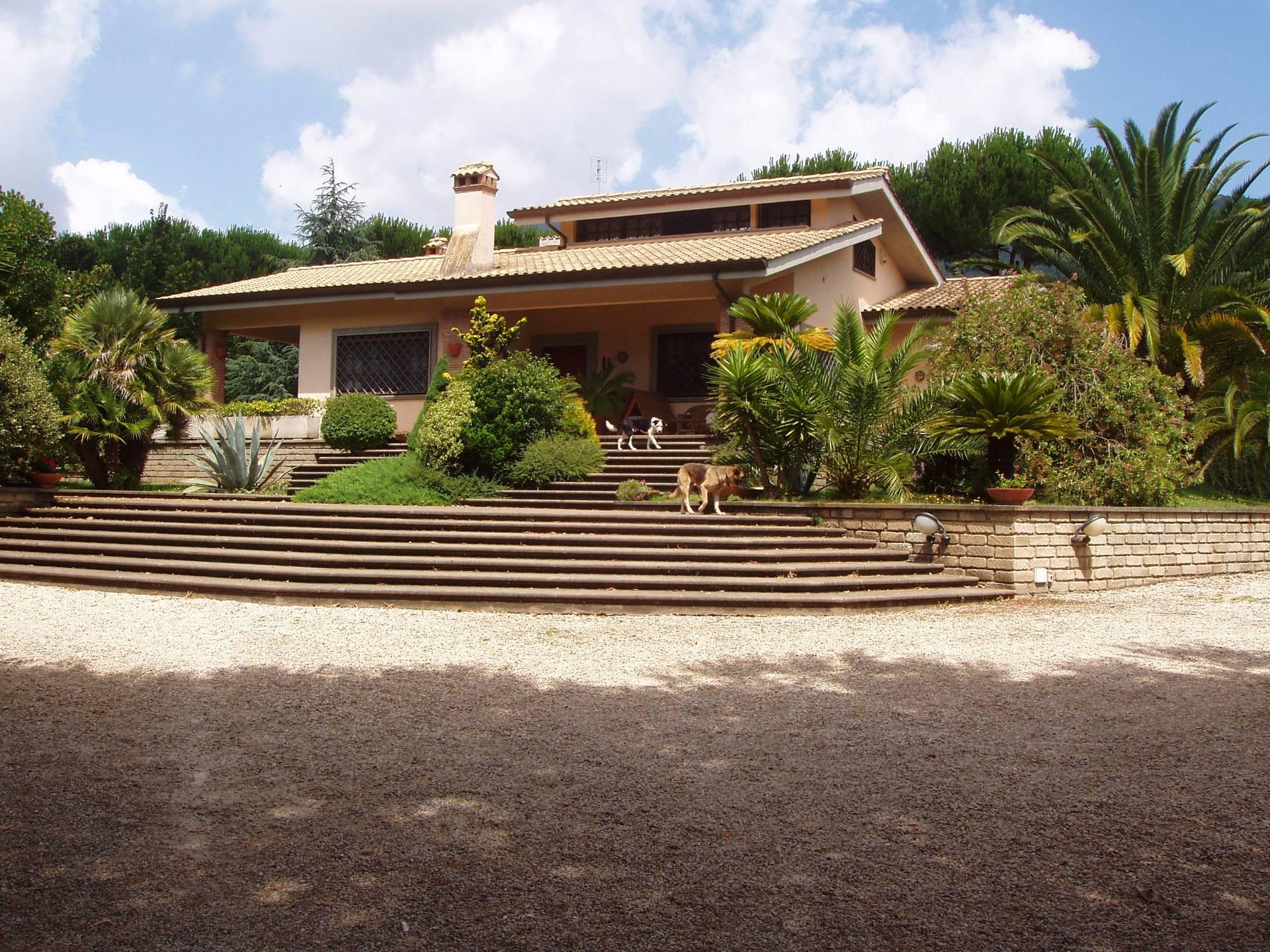 Villa in vendita a Velletri, 6 locali, prezzo € 580.000 | Cambio Casa.it