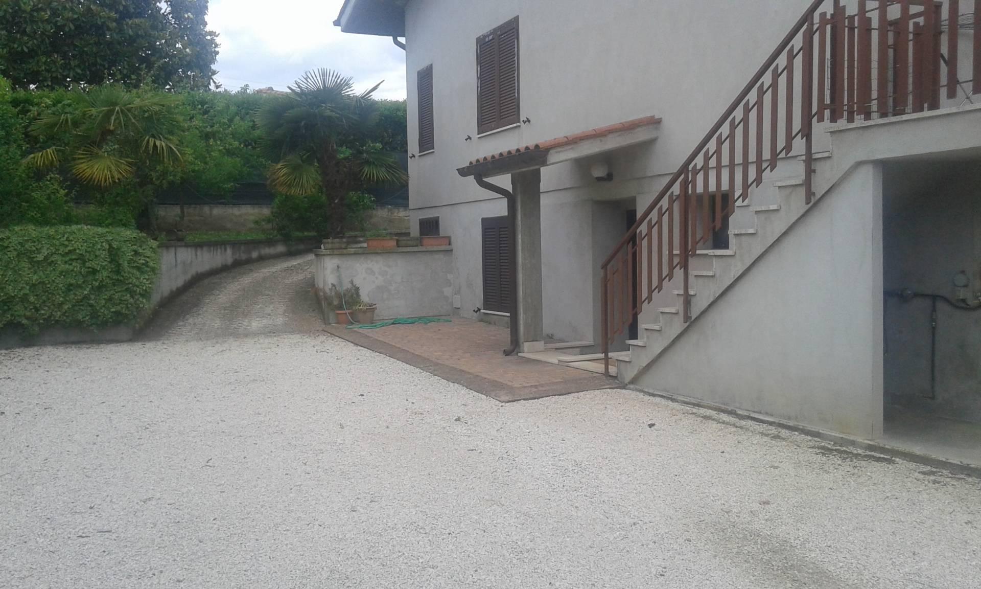 Bilocale Velletri Via Acqua Palomba 1