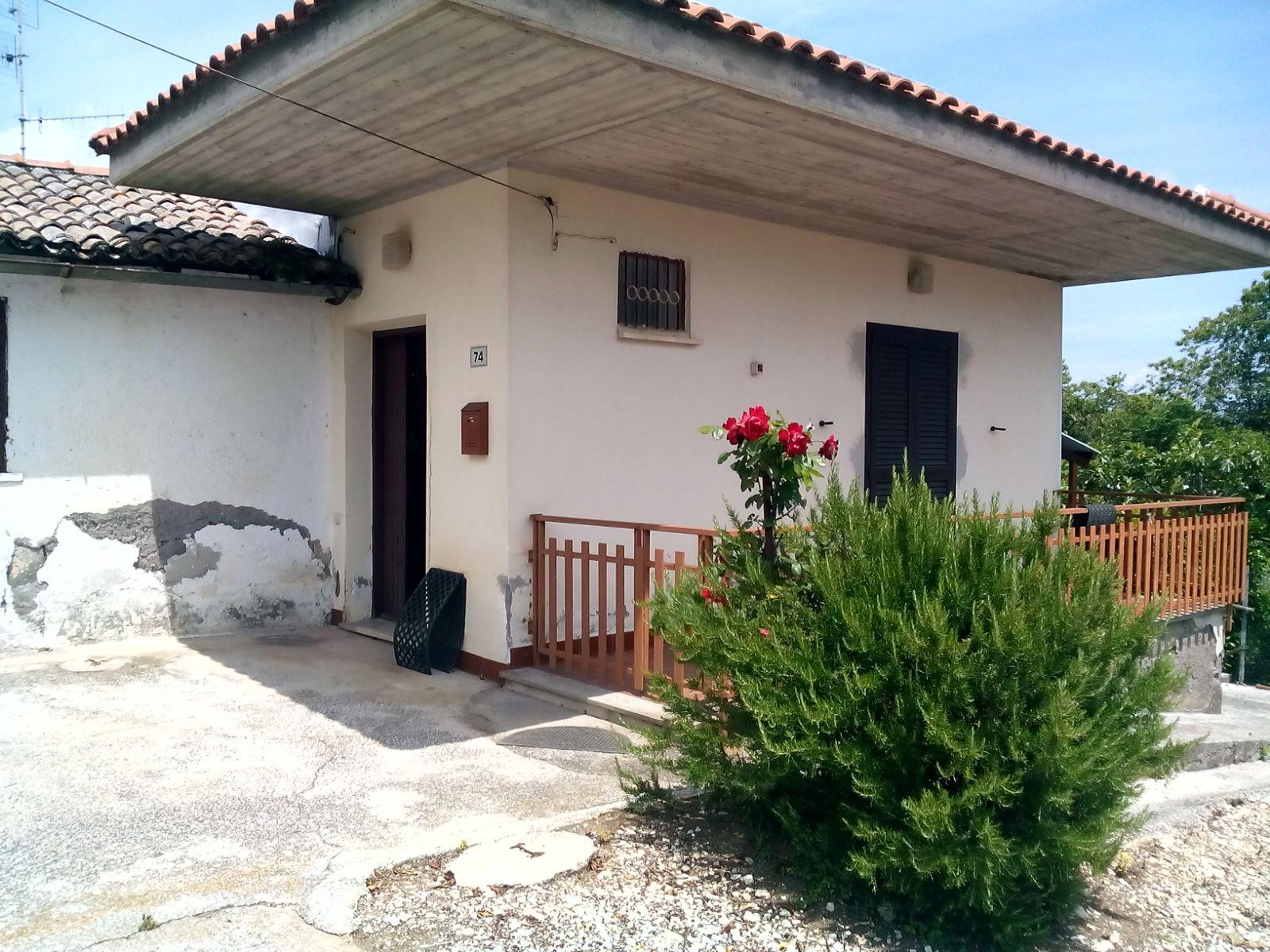 Soluzione Indipendente in vendita a Velletri, 3 locali, prezzo € 130.000 | Cambio Casa.it