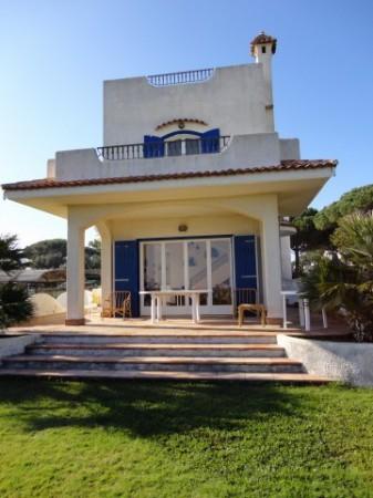 Villa in vendita a Terracina, 5 locali, prezzo € 980.000 | Cambio Casa.it