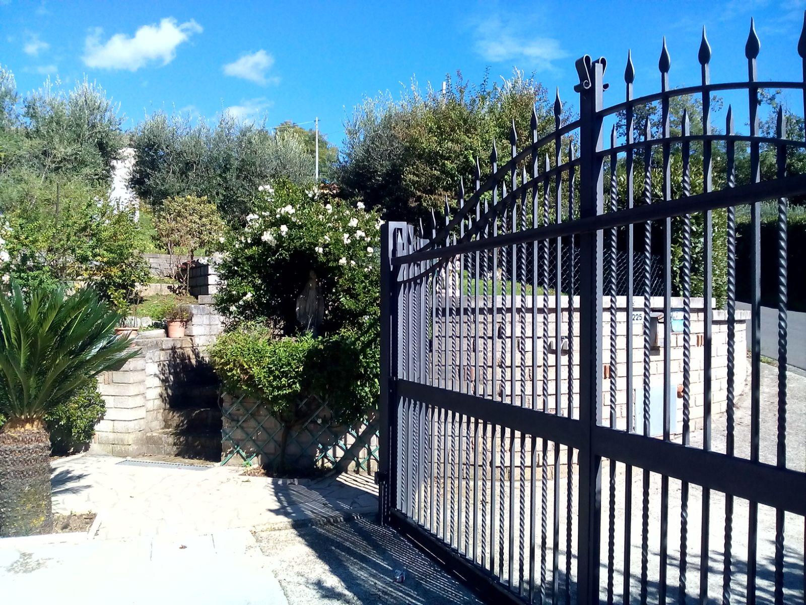 Villa in vendita a Velletri, 10 locali, prezzo € 390.000 | Cambio Casa.it