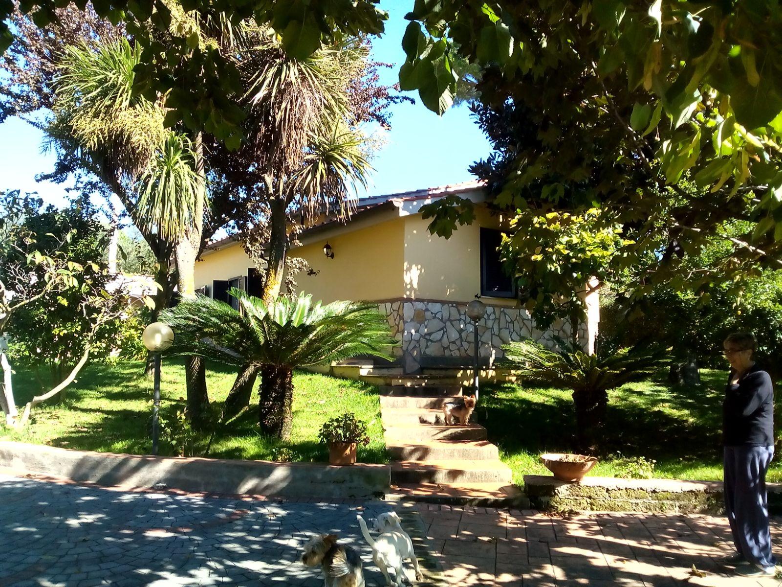 Villa in vendita a Velletri, 5 locali, prezzo € 248.000 | Cambio Casa.it