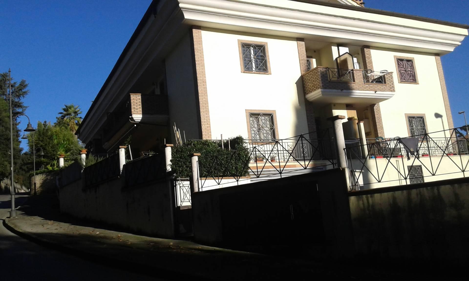 Appartamento in vendita a Velletri, 3 locali, prezzo € 138.000   Cambio Casa.it