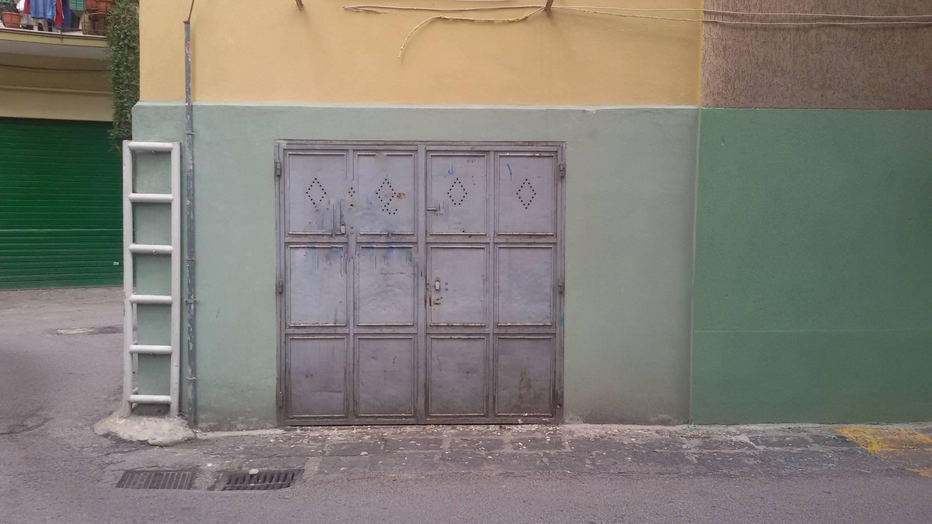 Magazzino in vendita a Salerno, 9999 locali, prezzo € 40.000 | Cambio Casa.it