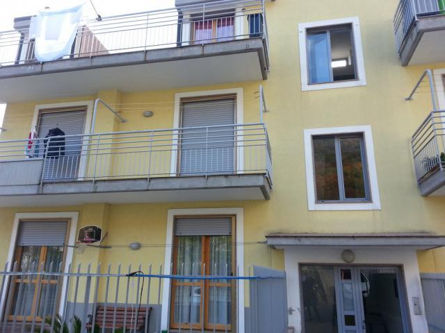 Attico / Mansarda in vendita a Baronissi, 3 locali, zona Zona: Caposaragnano, prezzo € 90.000 | Cambio Casa.it