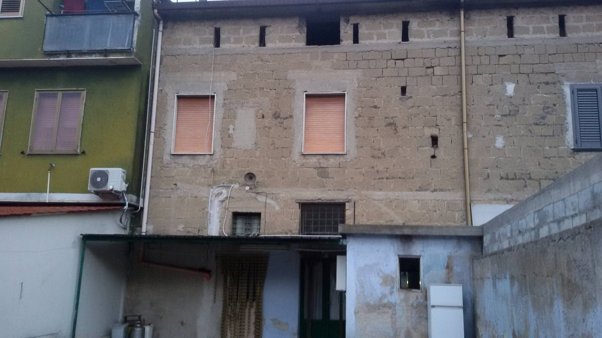 Palazzo / Stabile in vendita a Fisciano, 4 locali, prezzo € 120.000 | Cambio Casa.it