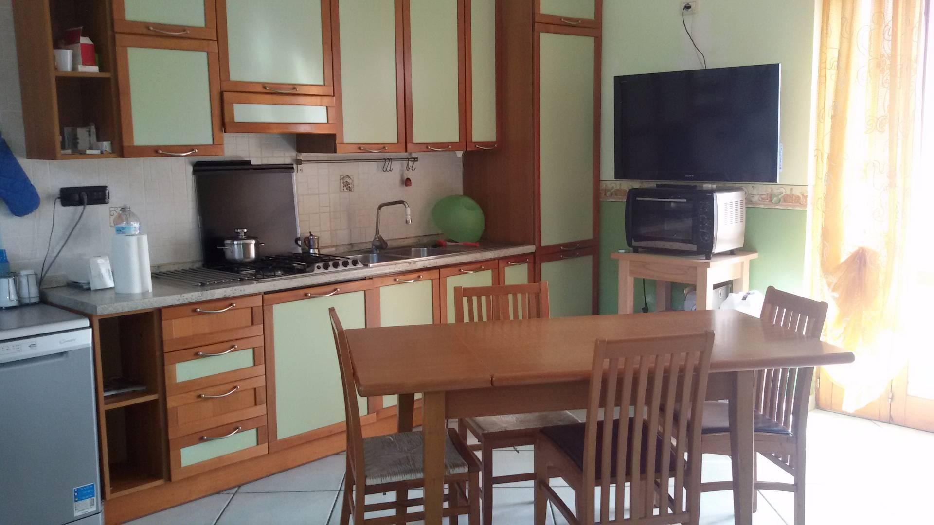Appartamento in vendita a Baronissi, 4 locali, zona Zona: Saragnano, prezzo € 150.000 | CambioCasa.it