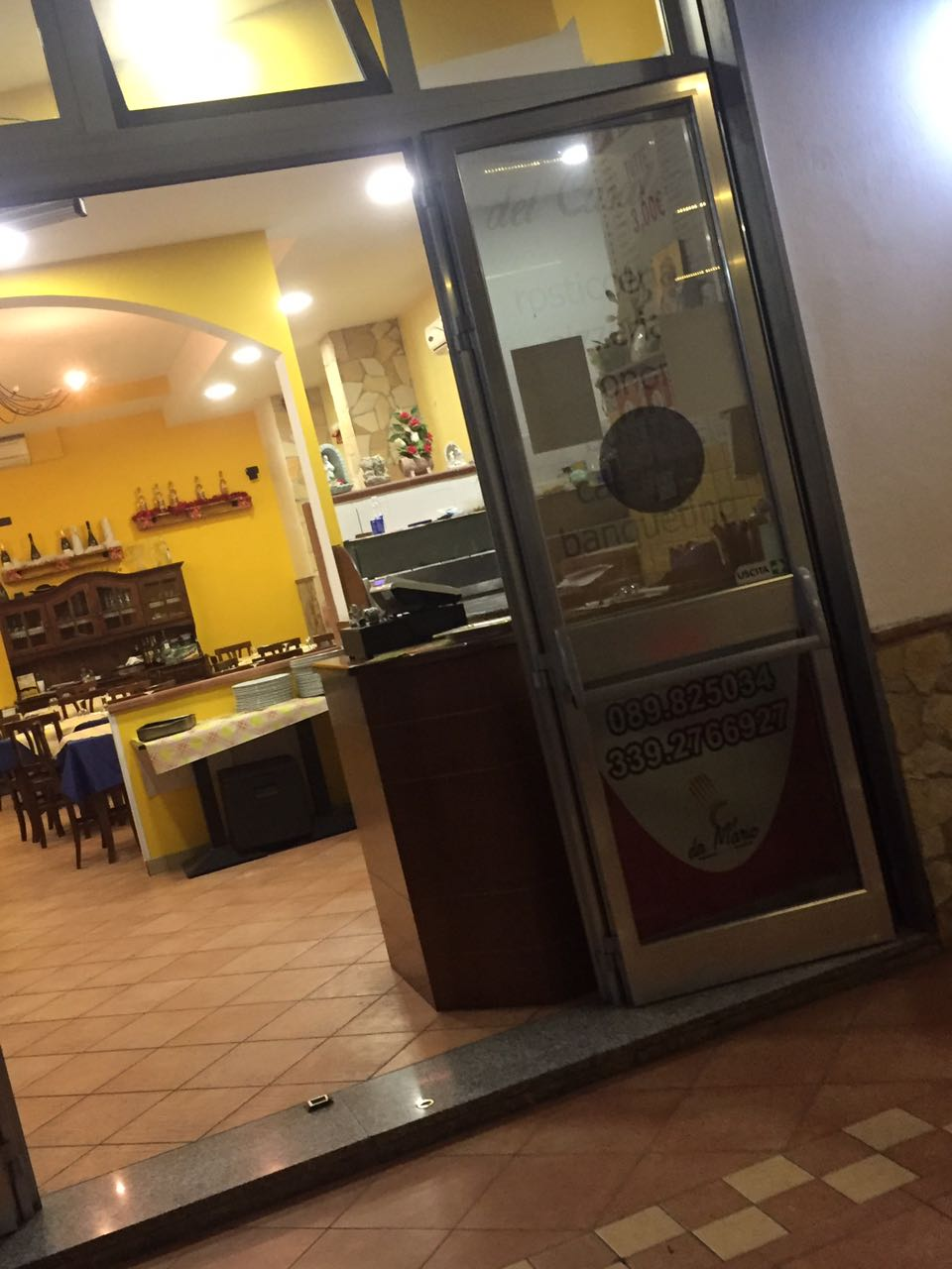 Negozio / Locale in vendita a Baronissi, 9999 locali, prezzo € 200.000 | CambioCasa.it