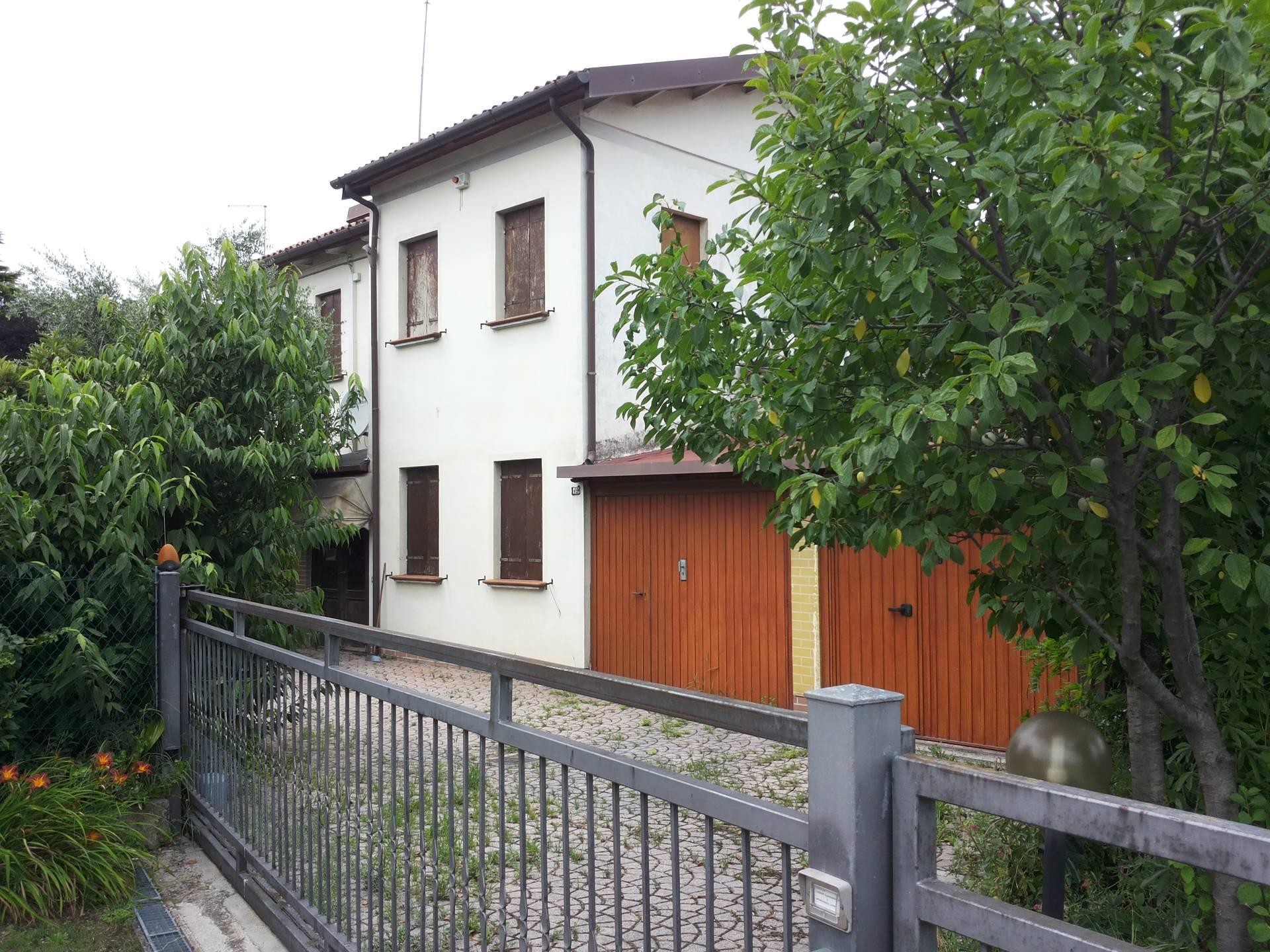 Villa Bifamiliare in Vendita a Villorba
