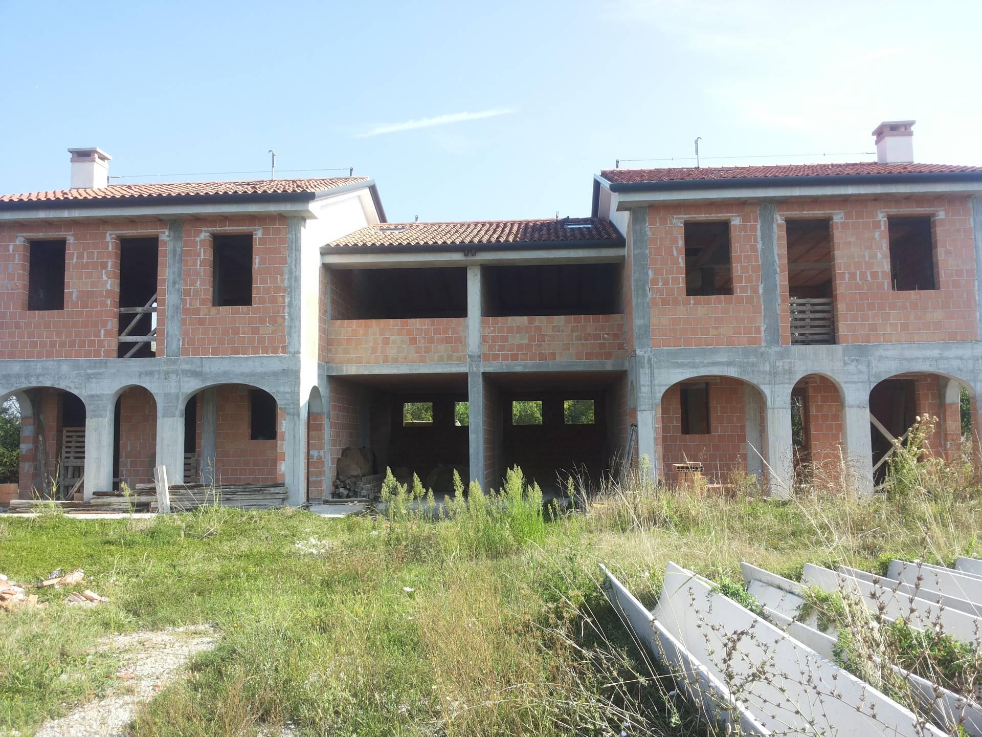 Villa Bifamiliare in Vendita a Casier