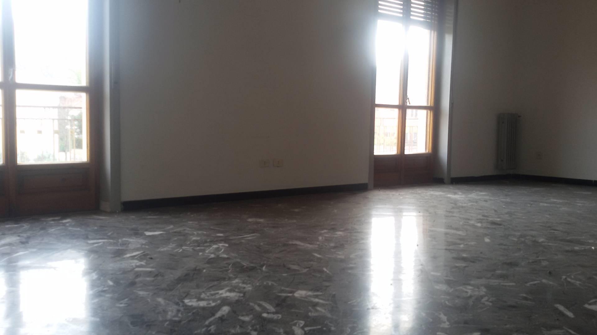 Appartamento in vendita a Baronissi, 6 locali, zona Località: centro, prezzo € 175.000   CambioCasa.it