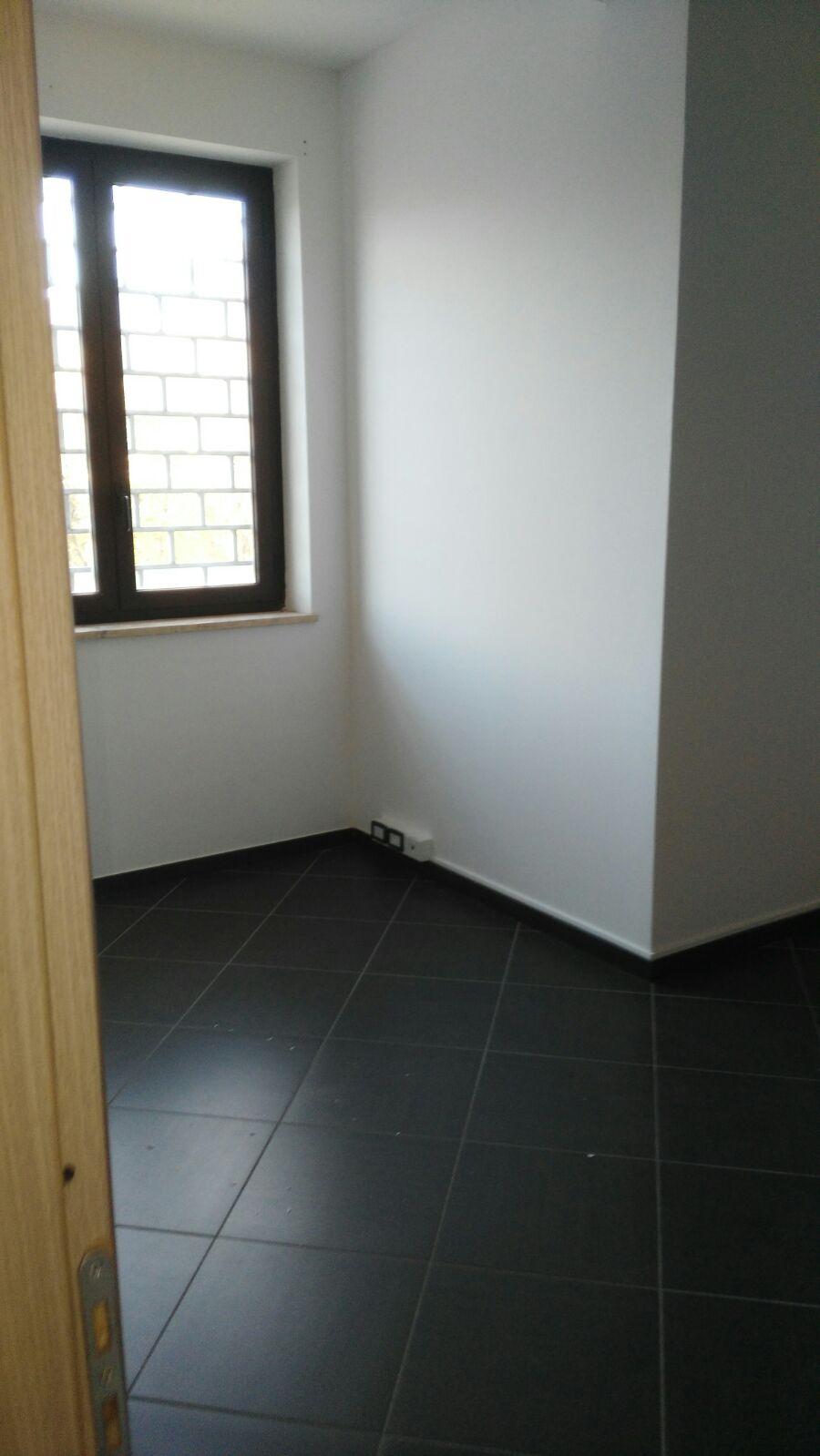 Ufficio / Studio in vendita a Baronissi, 9999 locali, zona Zona: Saragnano, prezzo € 95.000 | CambioCasa.it