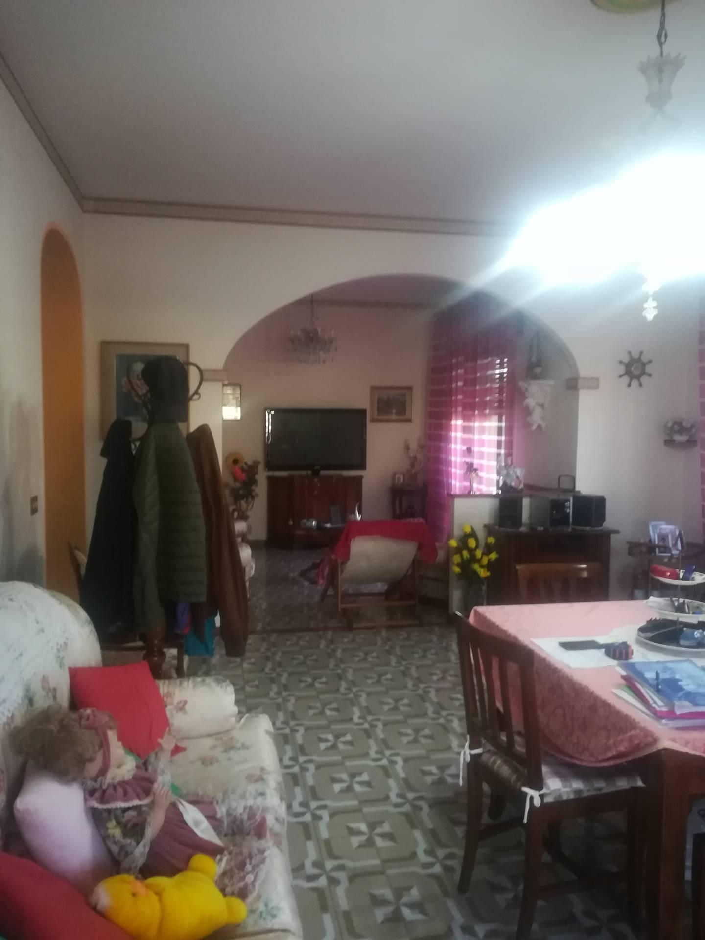 Villa in vendita a Mogliano Veneto, 12 locali, prezzo € 450.000   CambioCasa.it