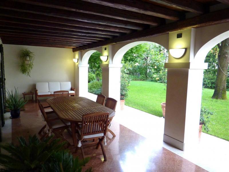 Villa in vendita a Treviso, 10 locali, zona Località: FuoriMura, Trattative riservate | Cambio Casa.it