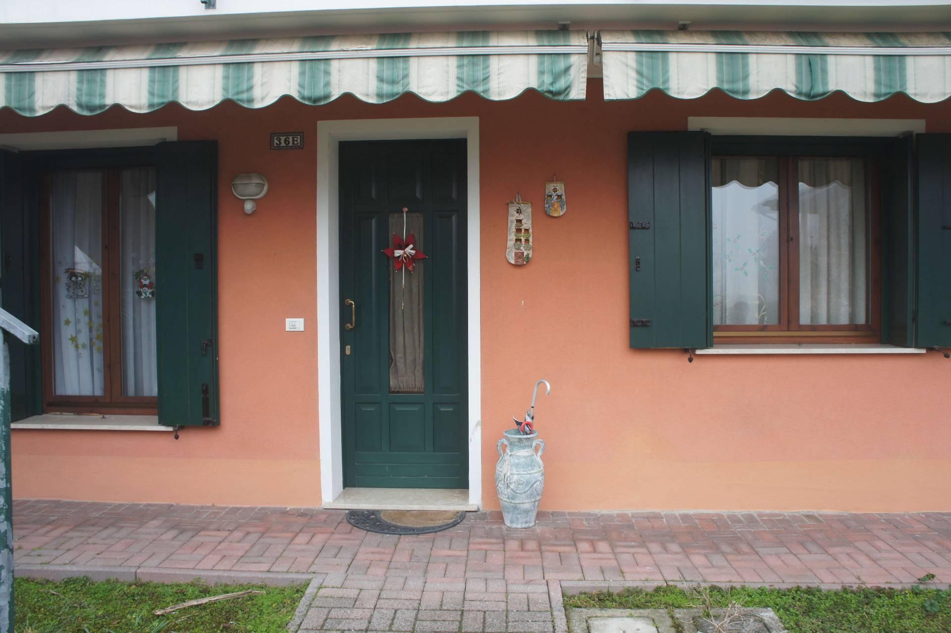 Appartamento in vendita a Meolo, 6 locali, zona Località: Centro, prezzo € 118.000 | Cambio Casa.it
