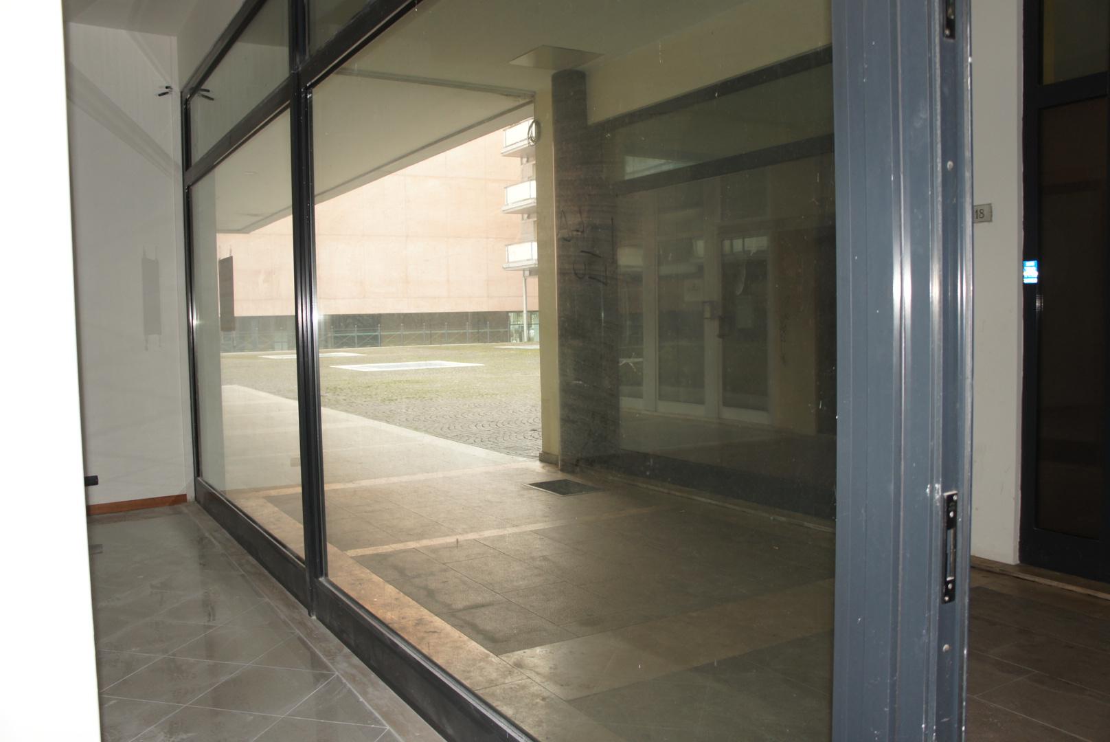 Attività / Licenza in affitto a San Donà di Piave, 9999 locali, zona Località: Centro, prezzo € 750   Cambio Casa.it