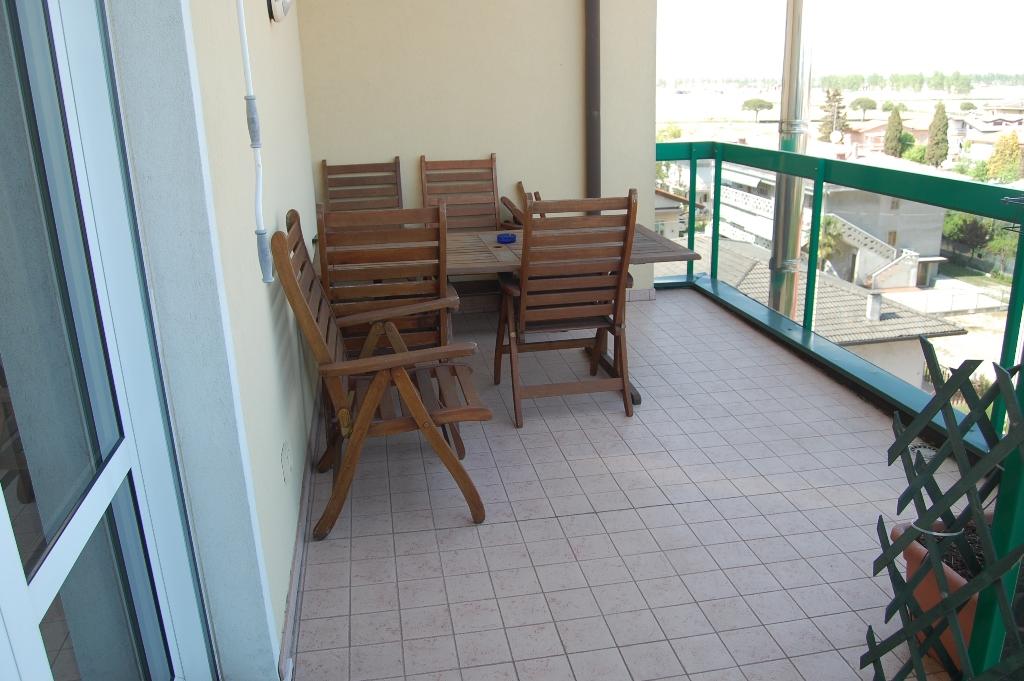 Attico / Mansarda in vendita a Jesolo, 5 locali, zona Località: PiazzaManzoni, Trattative riservate   Cambio Casa.it