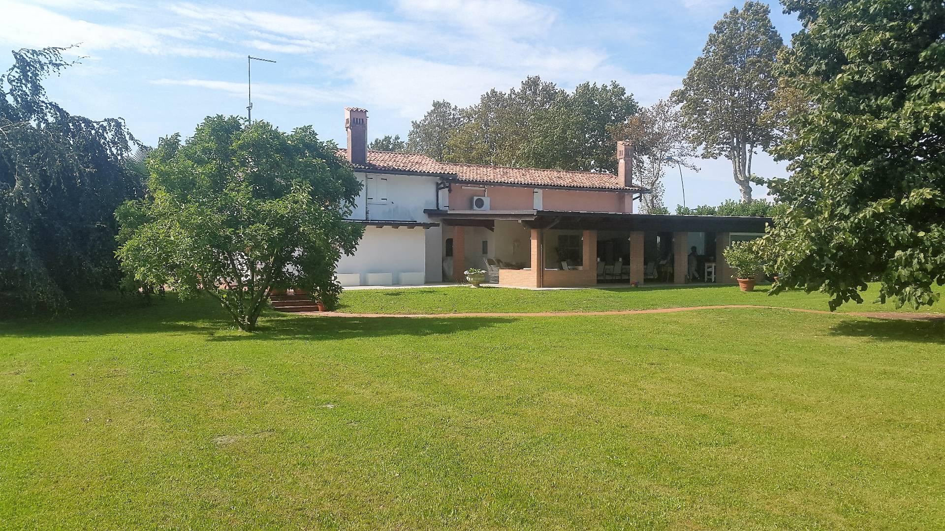 Villa in vendita a Jesolo, 5 locali, zona Località: LidoOvest, prezzo € 900.000 | Cambio Casa.it