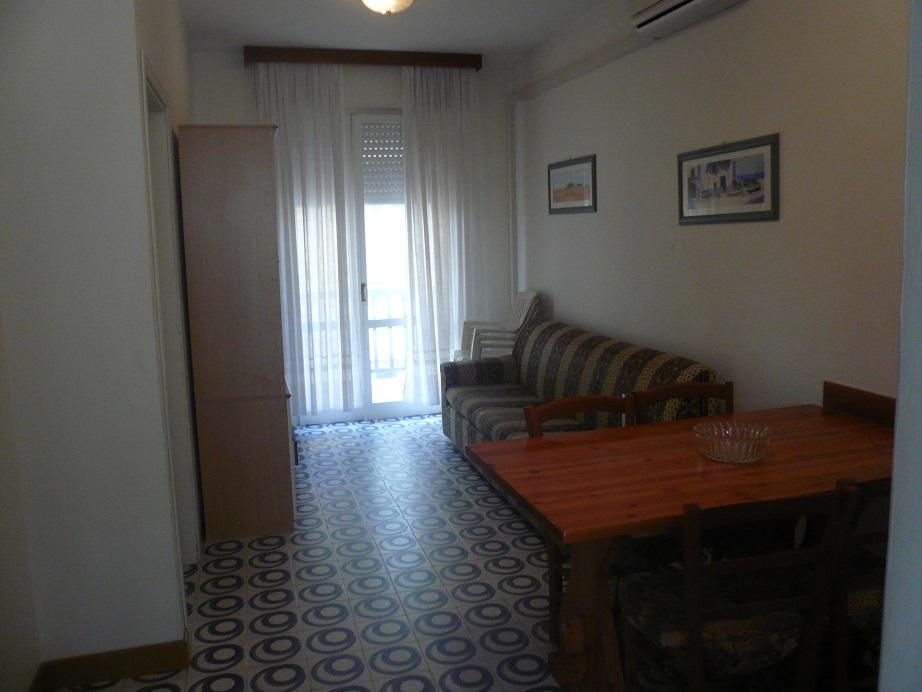 Appartamento in vendita a Jesolo, 3 locali, zona Località: PiazzaManzoni, prezzo € 185.000   Cambio Casa.it