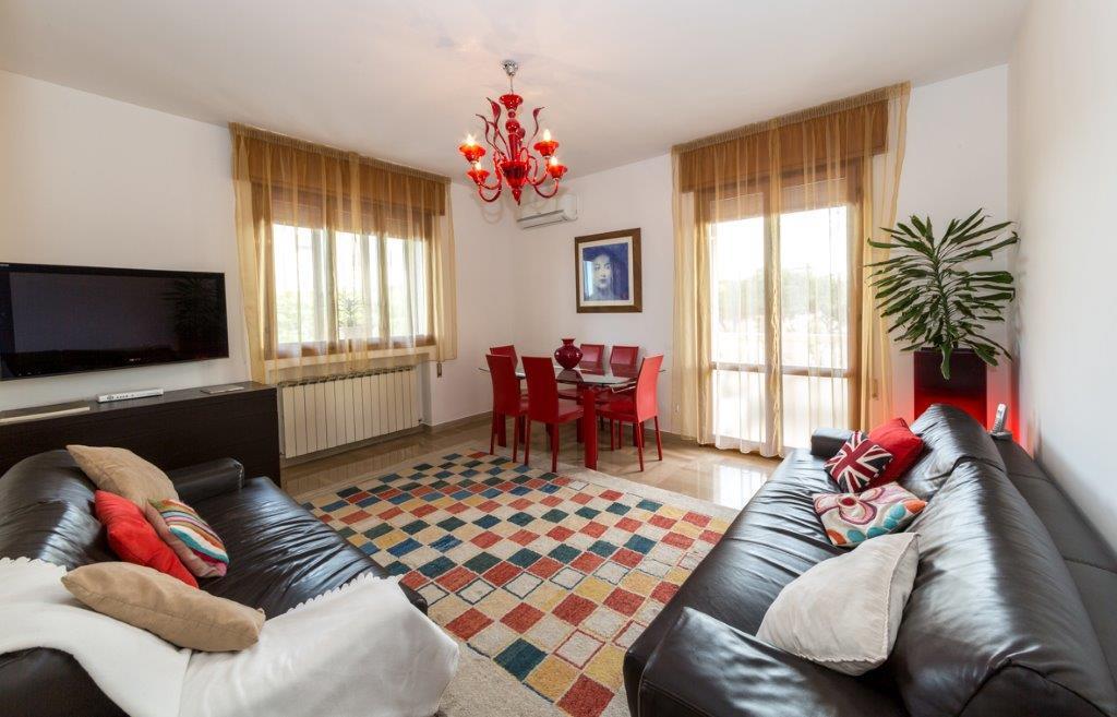 Appartamento in vendita a Jesolo, 4 locali, zona Località: PiazzaDrago, prezzo € 220.000 | Cambio Casa.it