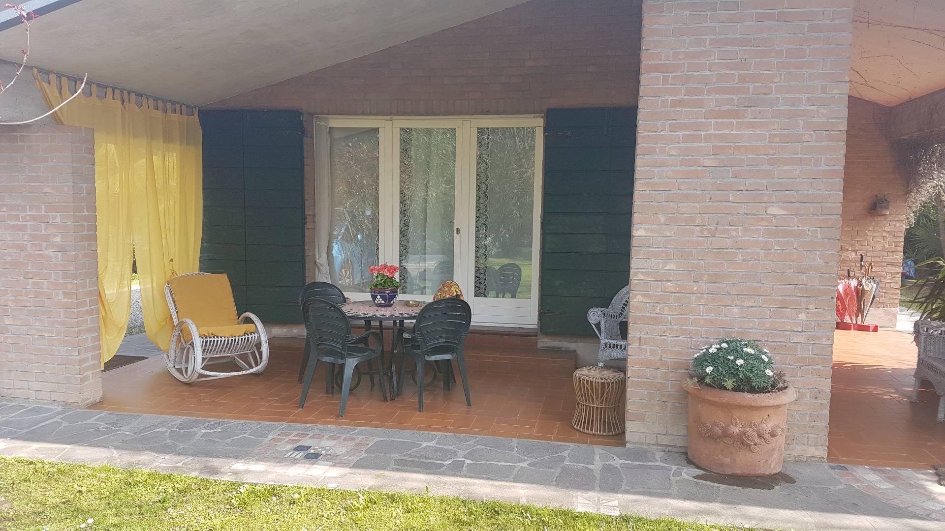Villa in vendita a Musile di Piave, 10 locali, zona Località: centro, prezzo € 350.000 | CambioCasa.it