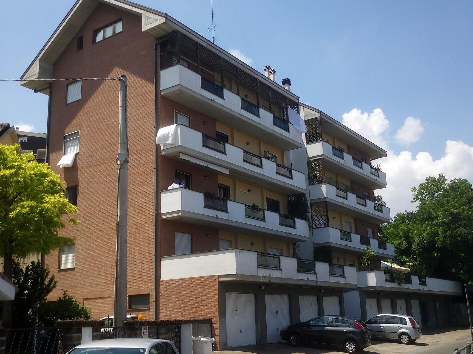 Appartamento in vendita a Chieti, 7 locali, zona Località: Tricalle, prezzo € 155.000 | Cambio Casa.it