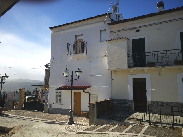Altro in vendita a Turrivalignani, 7 locali, zona Zona: Belvedere, prezzo € 100.000 | Cambio Casa.it