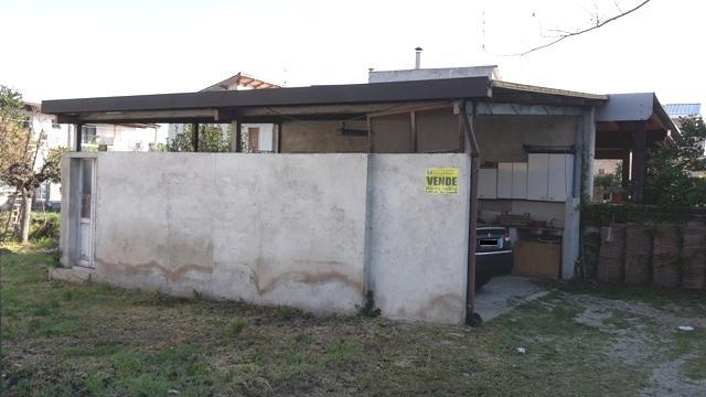 Rustico / Casale in vendita a Chieti, 9999 locali, zona Zona: Brecciarola, prezzo € 20.000   Cambio Casa.it