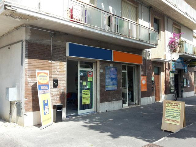 Negozio / Locale in vendita a Chieti, 9999 locali, zona Località: Scalo, prezzo € 170.000 | Cambio Casa.it