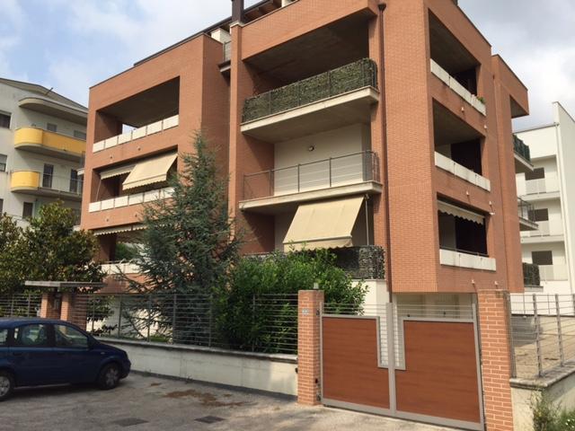 Appartamento in vendita a Manoppello, 3 locali, zona Località: ManoppelloScalo, prezzo € 135.000 | Cambio Casa.it