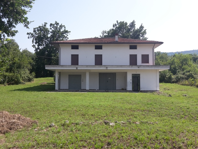 Soluzione Indipendente in vendita a Roccamontepiano, 7 locali, zona Zona: Terranova, prezzo € 140.000 | Cambio Casa.it