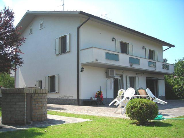 Soluzione Indipendente in vendita a Roccamontepiano, 7 locali, zona Zona: Terranova, prezzo € 160.000 | Cambio Casa.it