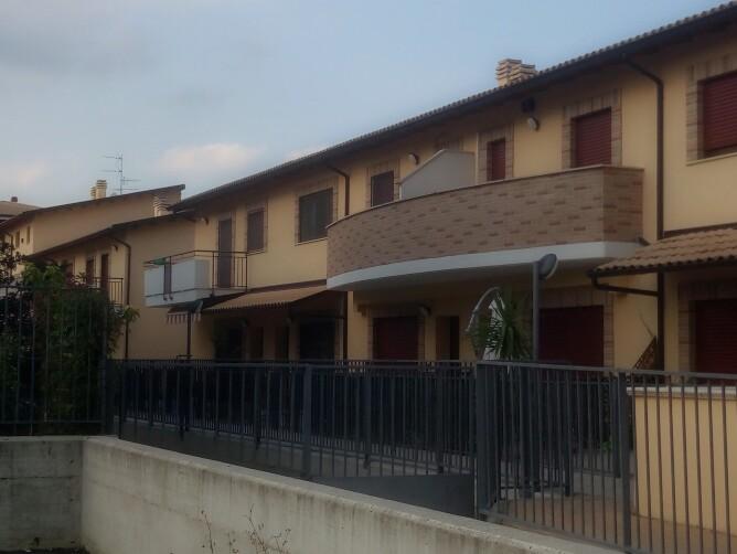 Villa a Schiera in Vendita a Manoppello