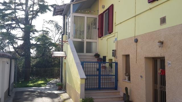 Soluzione Semindipendente in vendita a Nocciano, 9 locali, prezzo € 95.000 | Cambio Casa.it