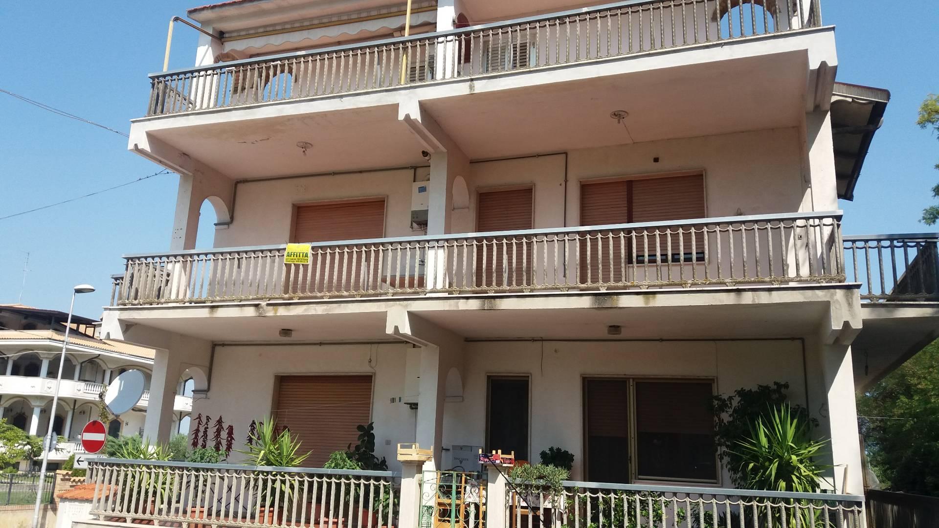 Appartamento in affitto a Chieti, 4 locali, zona Località: S.Martino, prezzo € 300 | CambioCasa.it