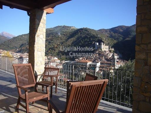 Villa in vendita a Dolceacqua, 5 locali, prezzo € 890.000 | CambioCasa.it