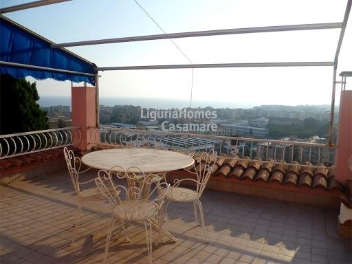 Villa in vendita a Vallecrosia, 7 locali, prezzo € 750.000 | Cambio Casa.it
