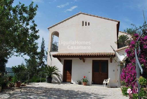 Villa in vendita a Vallebona, 10 locali, prezzo € 750.000 | Cambio Casa.it