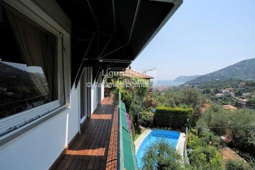 Villa in vendita a Alassio, 8 locali, prezzo € 1.200.000 | Cambio Casa.it
