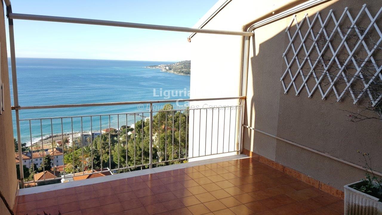 Appartamento in vendita a Ospedaletti, 5 locali, prezzo € 190.000 | Cambio Casa.it